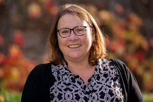 SENIOR ASSISTANT REGISTRAR - Ms Lisa Williams